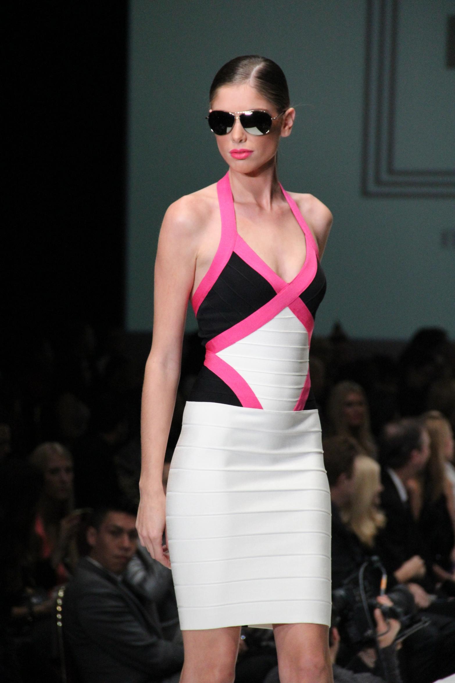 Fashion Houston - Bold Color Pink