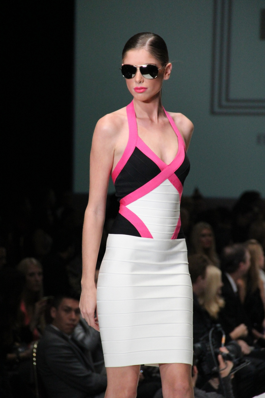Fashion Houston - Bold Color Pink