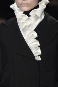 Ruffle Collar