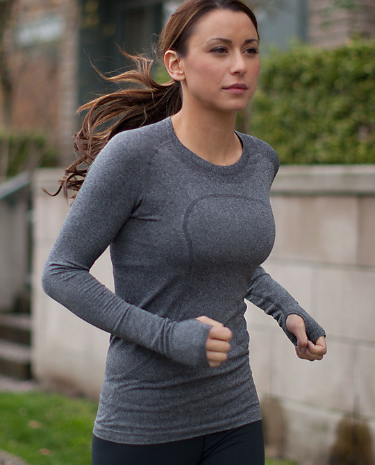 Lulu - Run - Swiftly Tech Long Sleeve - $68