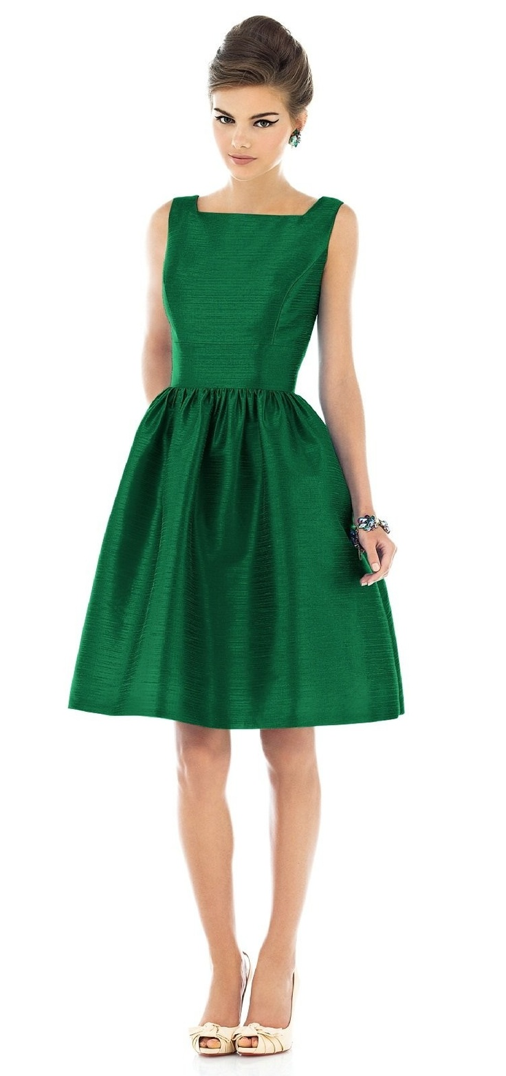 The emerald isle for Dresses to wear to a christmas wedding