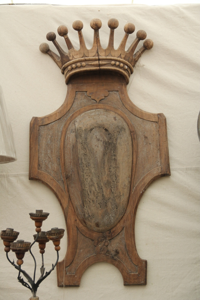 French Crown Panel