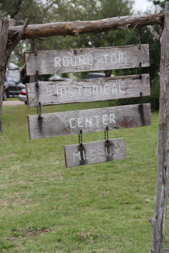 Round Top Historical Sign