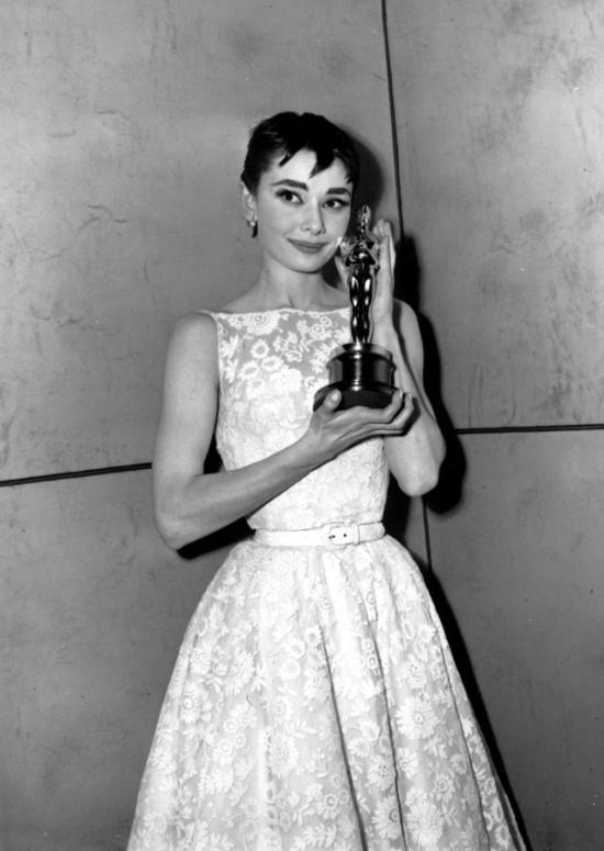 Audrey Hepburn 1954 - Givenchy