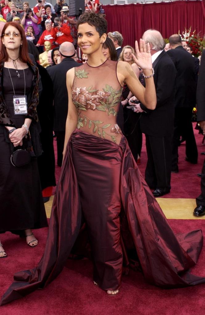 Halle Berry 2002 - Elie Saab