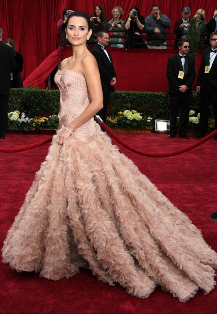 Penelope Cruz 2007 - Atelier Versace
